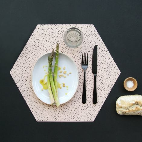 Tischset Nude – Silicone Placemats von BY MAY Stockholm